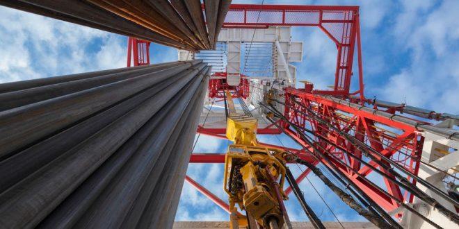 ارتفاع أسعار النفط على خلفية توقعات بخفض جديد في انتاج النفط العالمي
