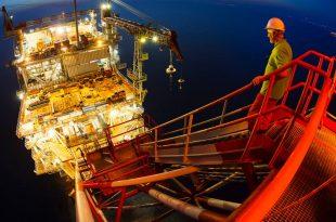 مخاوف الركود الاقتصادي تتجه بأسعار النفط نحو مزيد من الانخفاض ليصل إلى ما دون 58 دولار للبرميل